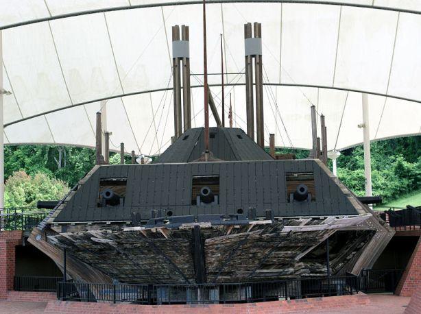 800px-USS_Cairo_Vicksburg_NB